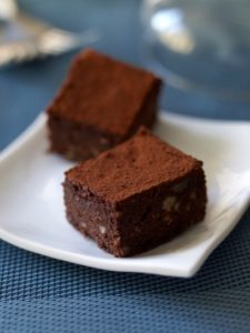 Lunch Box Idea 33: Chocolate and Hazelnut Cake