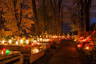 rp_all-saints-day-poland.jpg