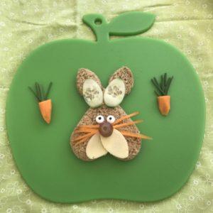 Easter-bunny-sandwich-Lunchbox World-green-board